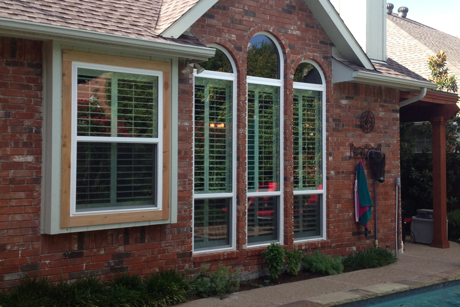 Vinyl Windows as triple paned picture windows in Dallas Texas