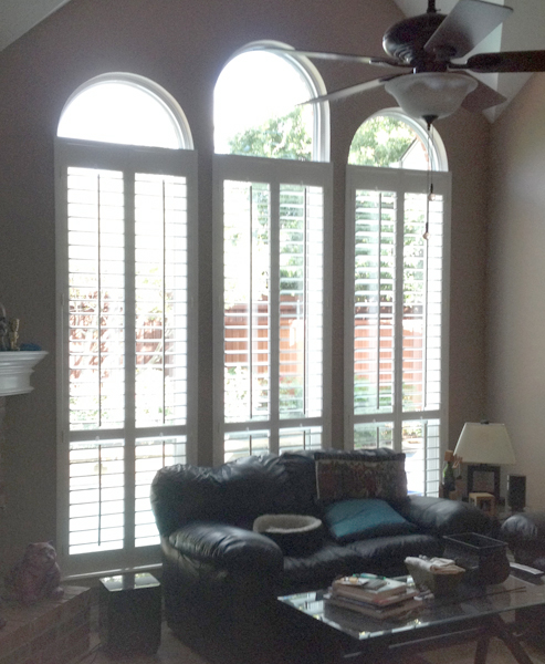 Vinyl windows with grids between the glass in North Dallas
